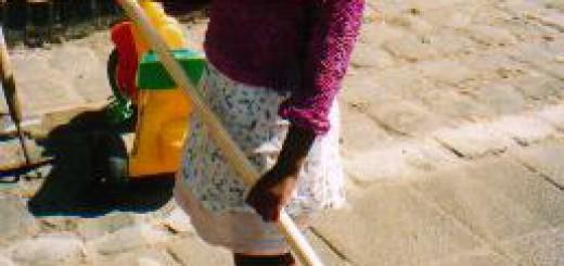 Kinderteam Melissantstraat maakt de straat schoon